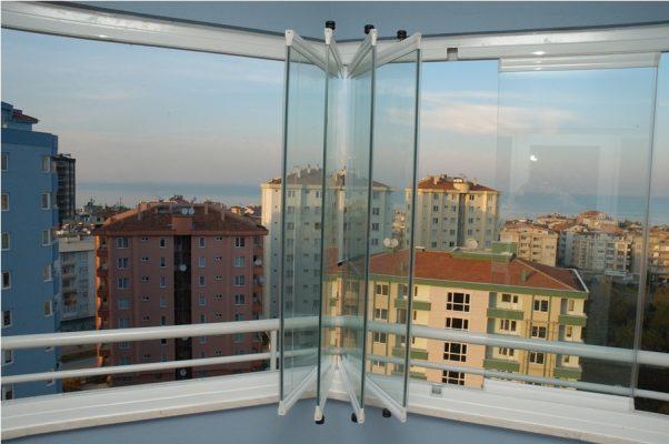 Katlanır Cam Balkon Sistemleri Kullananların Dikkat Etmesi Gerekenler